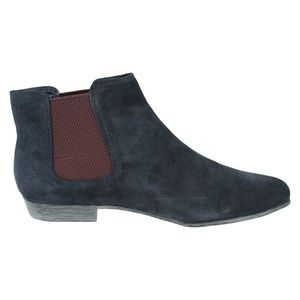 Ladies Clarks Ankle Boots Style - Lolly Dawson